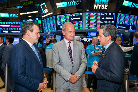 Kelsey Grammer visits the NYSE