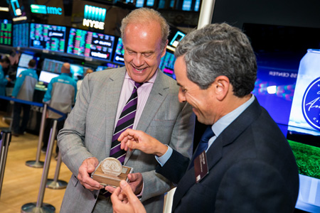 Kelsey Grammer presented with commemorative medallion from Chris Taylor